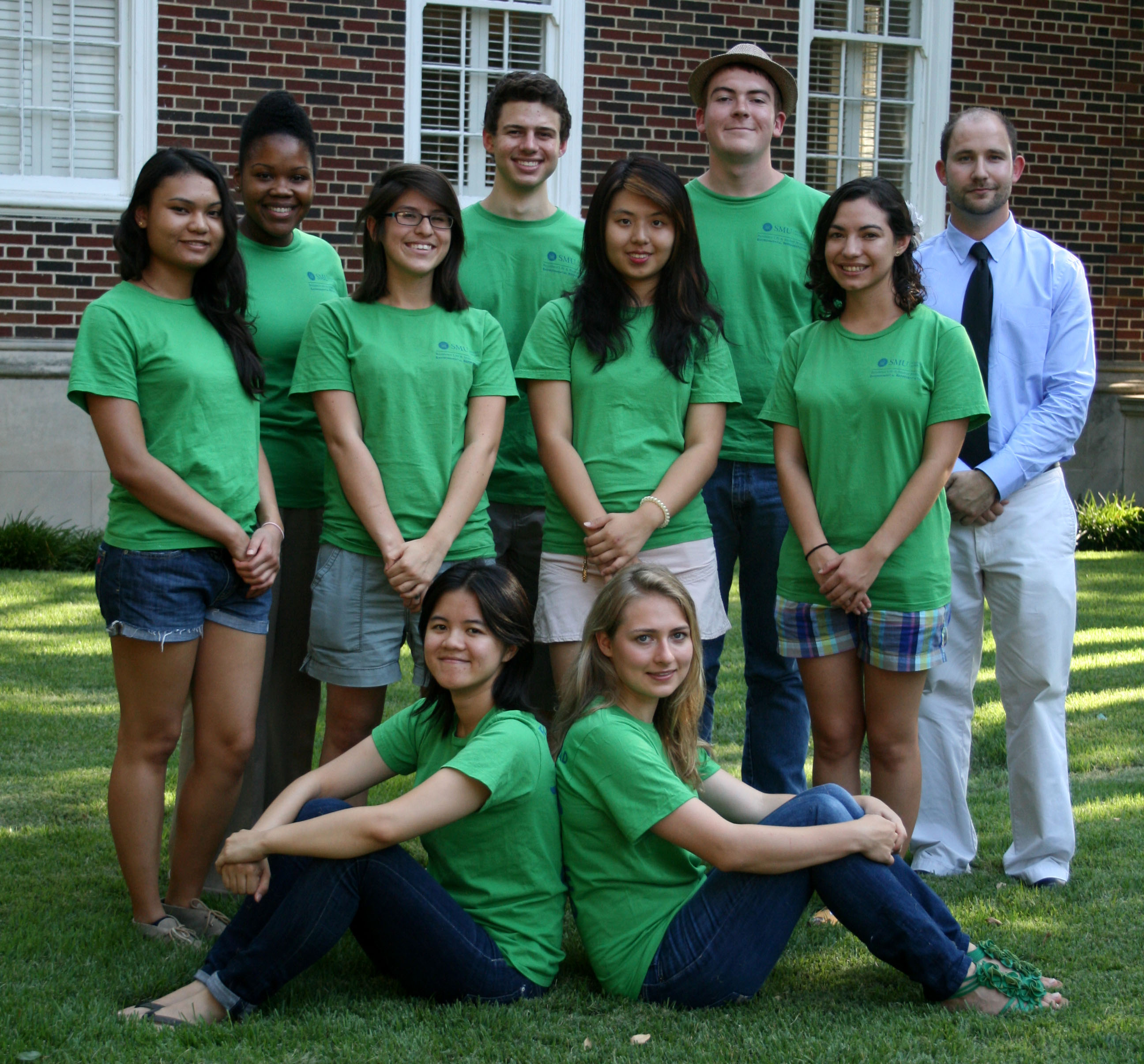 2012 E-Reps at SMU : Jomita Fleming (Assistant Director for Residence Life), Nicholas Saulnier, Michael Wilburn, Jonathan Hess (Residence Life), Quyen Tong, Marissa Ocampo, Lucy Yu, Jewel Lipps, Jingjing Yang, and Gwen Carris.