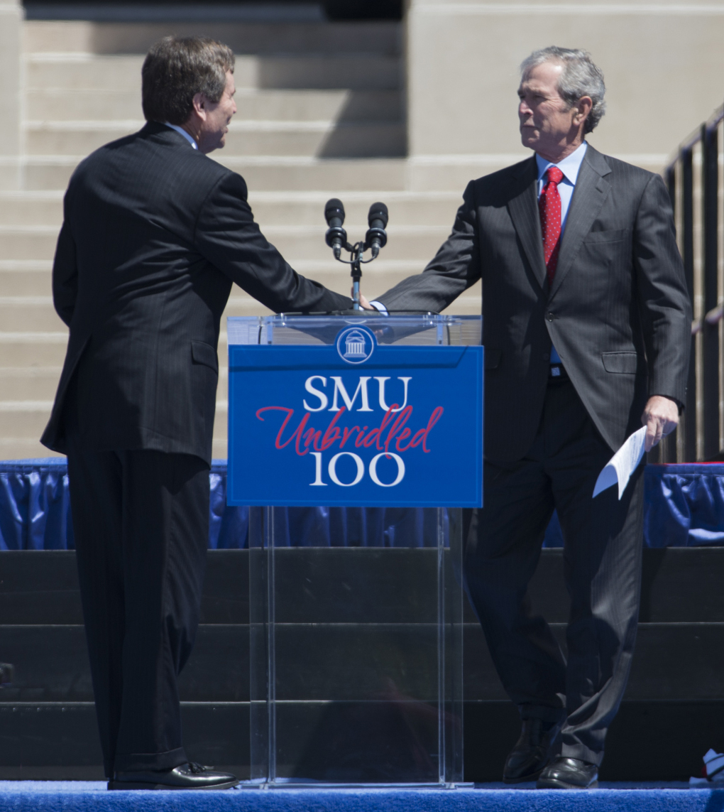 SMU President R. Gerald Turner shakes hands with Former U.S. President George W. Bush
