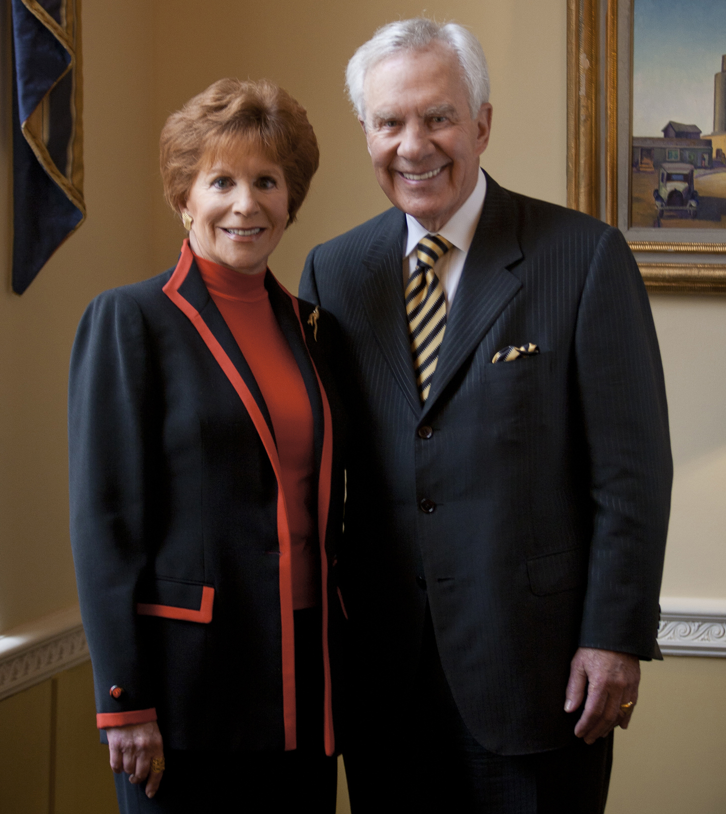 Dallas business leaders Linda Wertheimer Hart '65 and Milledge (Mitch) A. Hart, III