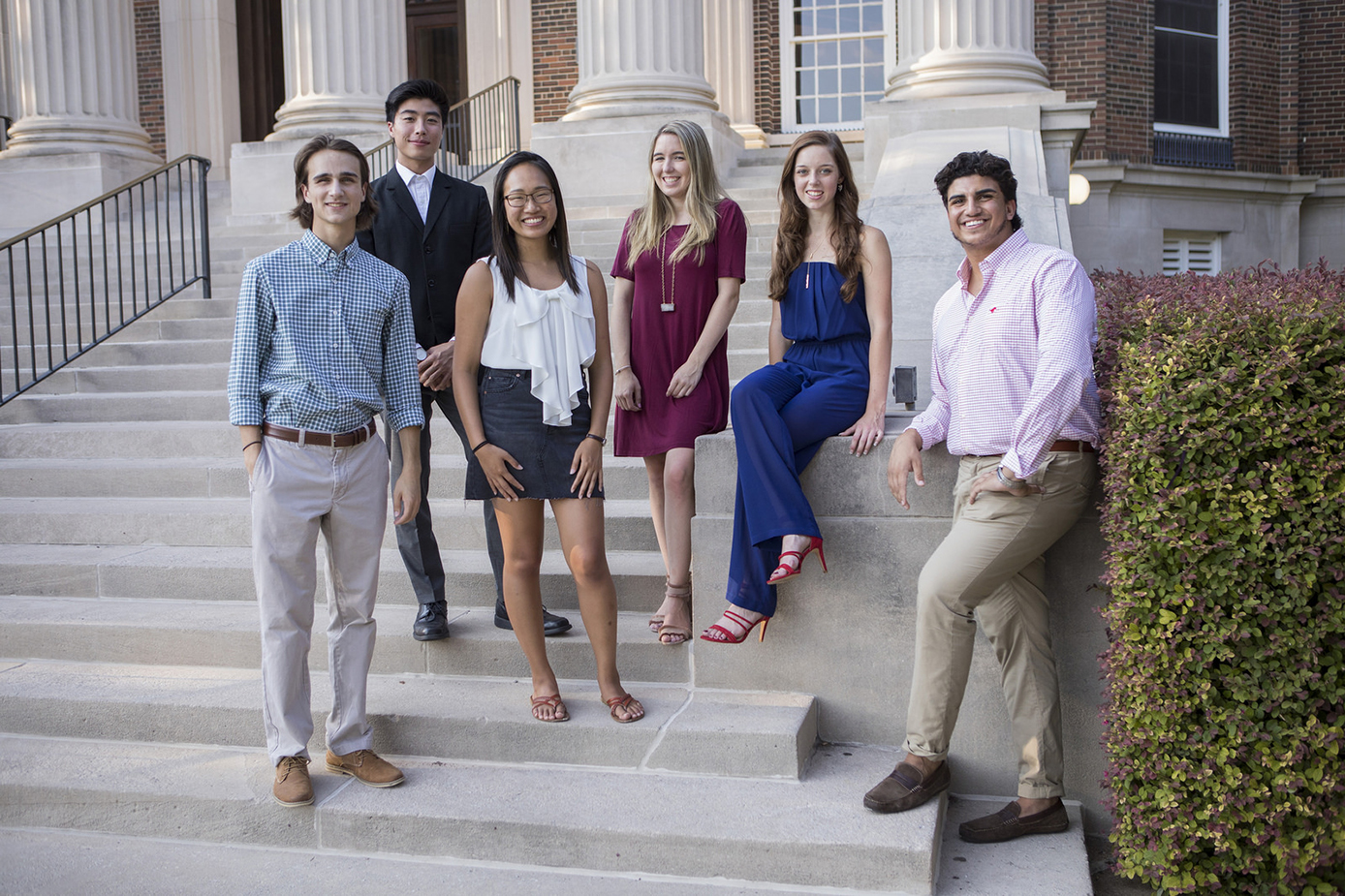 Group of Dedman College students on Dallas Hall Steps.