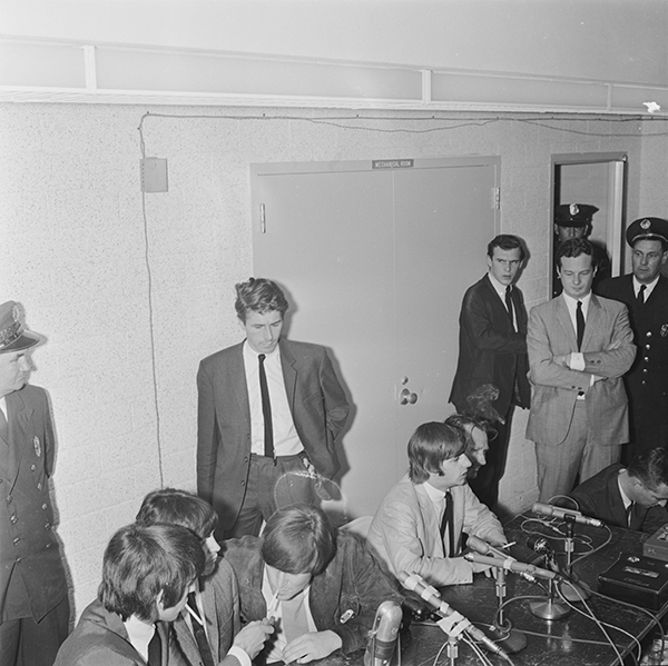 [Beatles Press Conference, Dallas, 1964, No. 07]