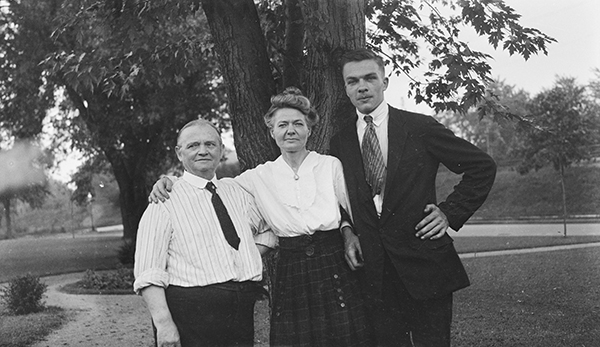 [J. Erik Jonsson with Parents]