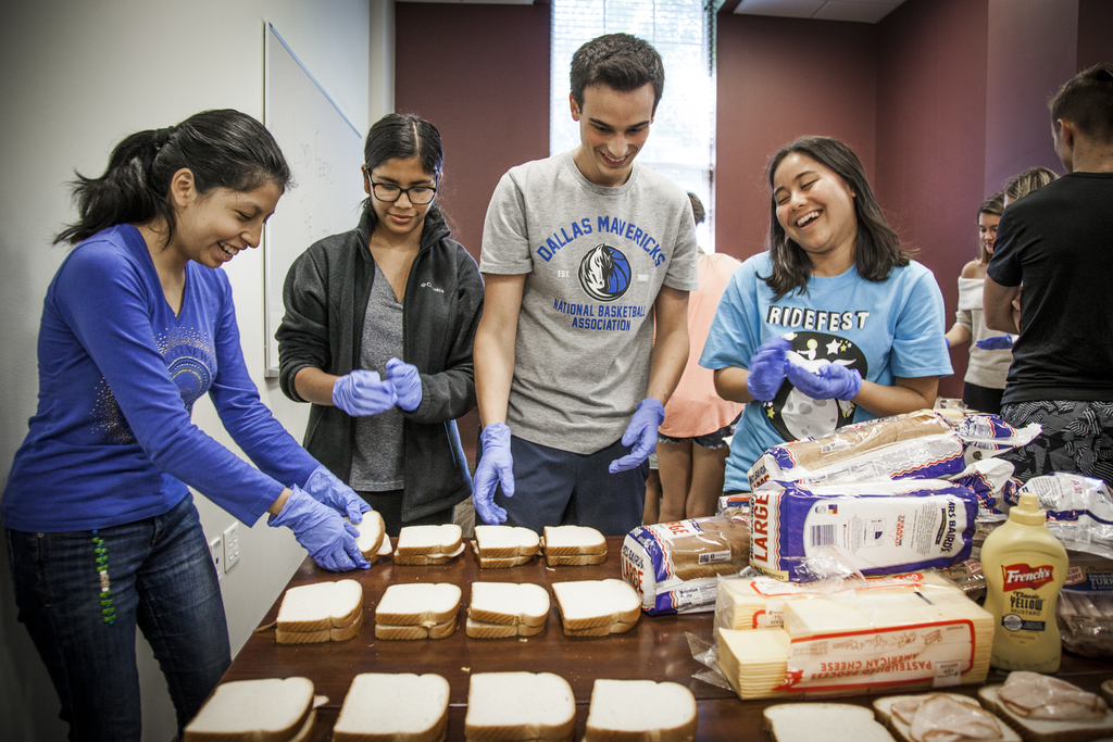 Students preparing sandwiches in their Residential Commons