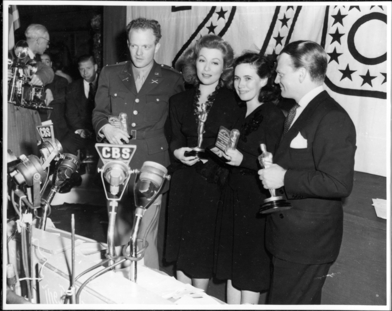 1942 Oscar ceremony photo