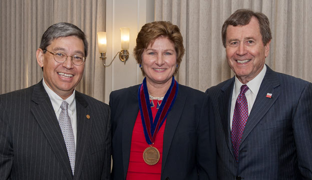 Karen Hughes receives SMU's 2013 Dedman College Distinguished Graduate Award
