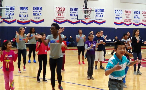 SMU athletes volunteer