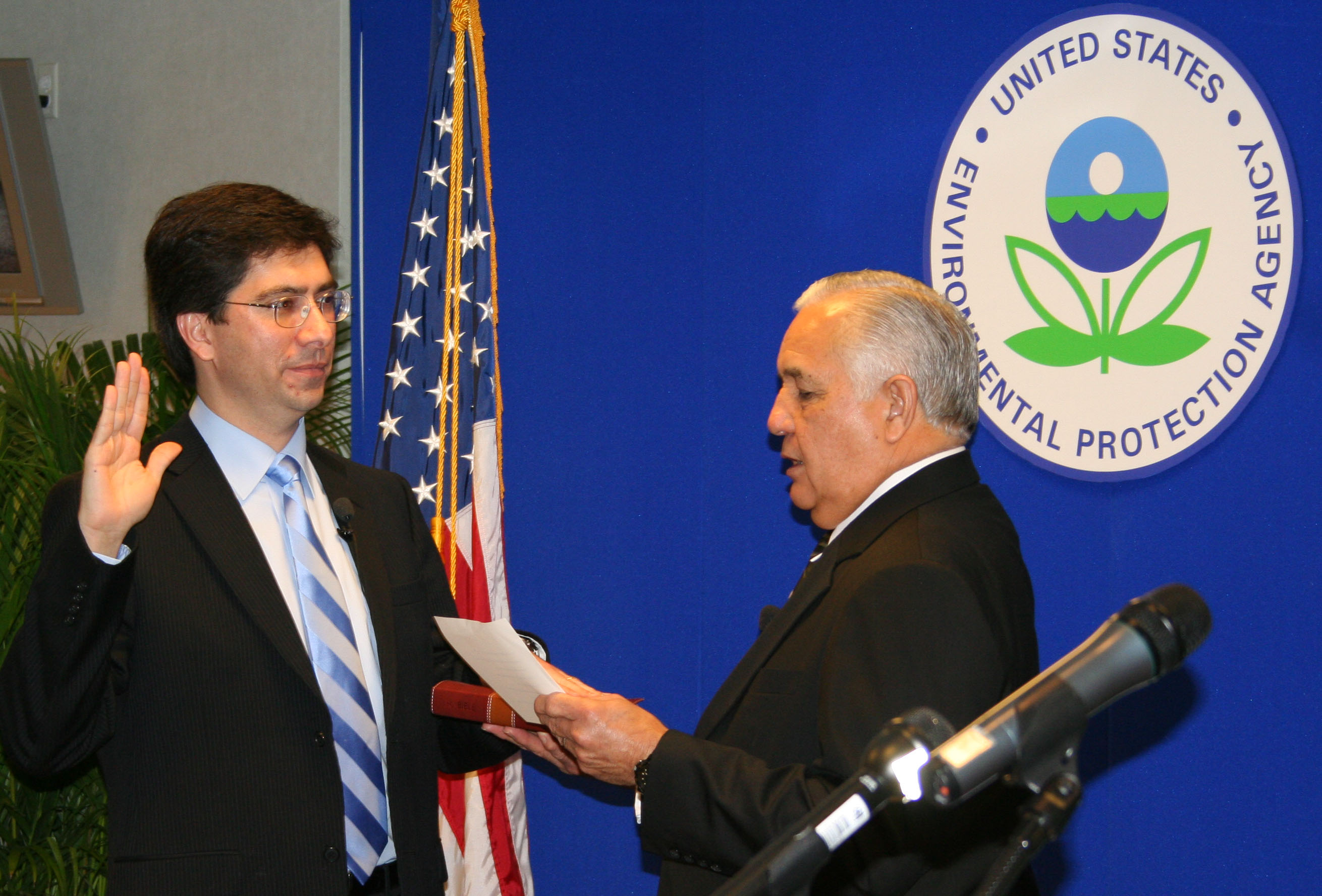 Al Armendariz sworn in as EPA administrator