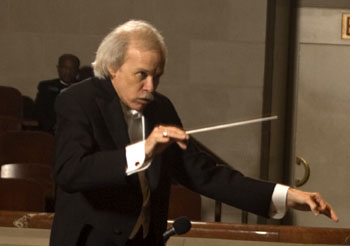 Paul Phillips conducting