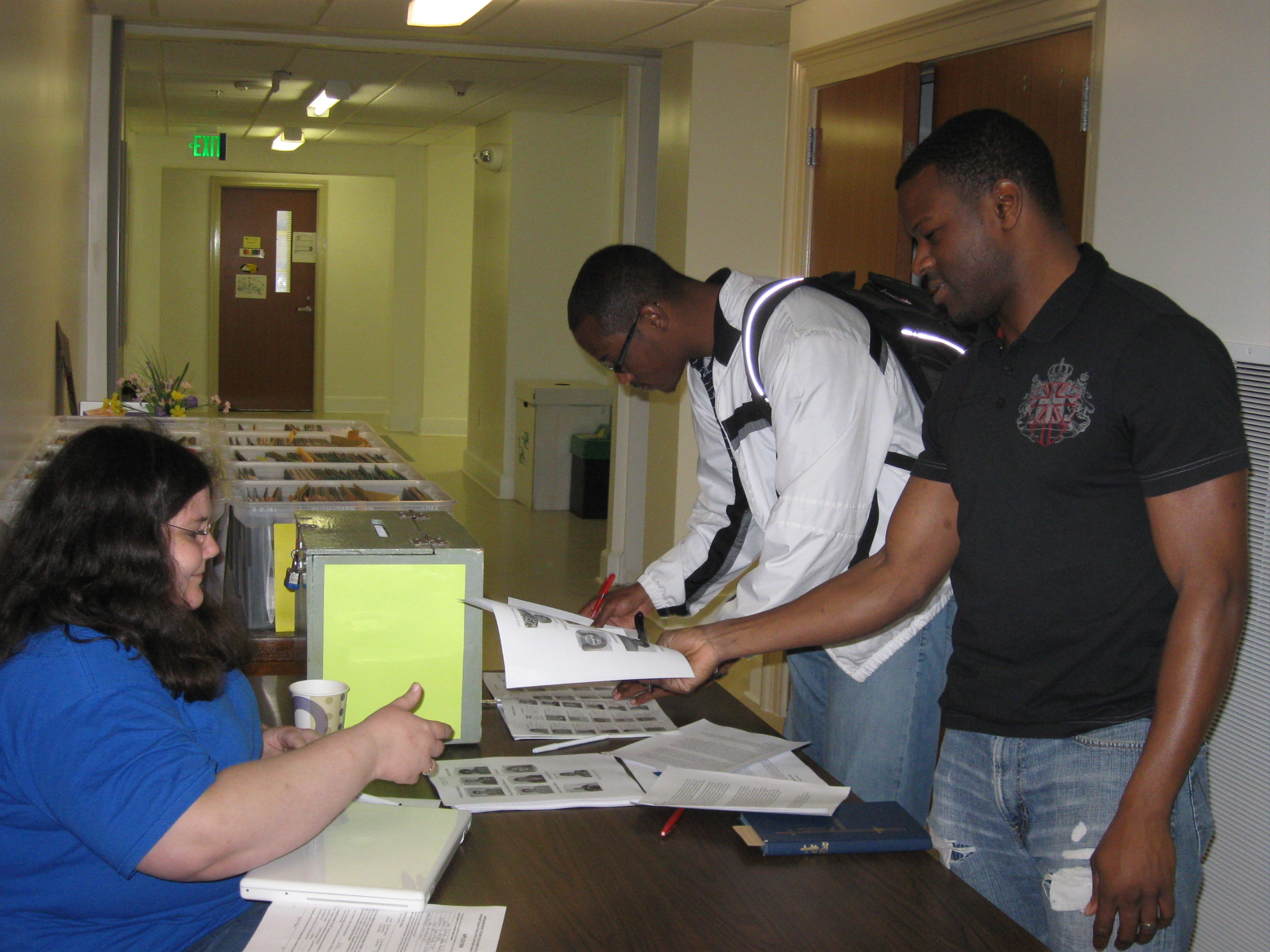 Students voting in the 2009 PSA student Elections